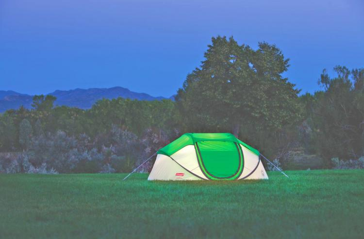 4-person-pop-up-tent-that-sets-up-instantly