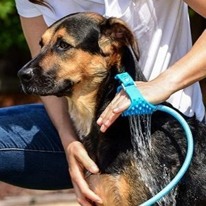 Wearable Pet Bathing Tool